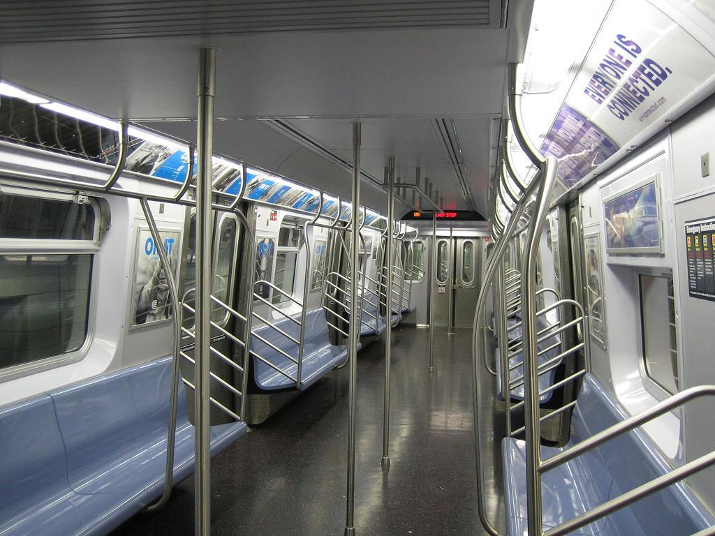 (141k, 1024x768)<br><b>Country:</b> United States<br><b>City:</b> New York<br><b>System:</b> New York City Transit<br><b>Line:</b> IND 8th Avenue Line<br><b>Location:</b> 207th Street<br><b>Route:</b> A<br><b>Car:</b> R-160A-2 (Alstom, 2005-2008, 5 car sets) 8662 <br><b>Photo by:</b> Michael Hodurski<br><b>Date:</b> 10/18/2006<br><b>Viewed (this week/total):</b> 1 / 6171