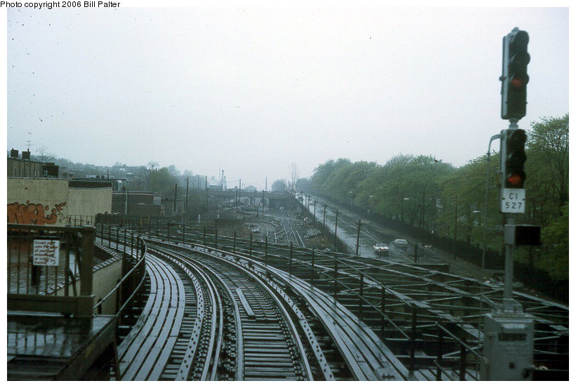 (117k, 820x553)<br><b>Country:</b> United States<br><b>City:</b> New York<br><b>System:</b> New York City Transit<br><b>Line:</b> BMT Culver Line<br><b>Location:</b> Fort Hamilton Parkway<br><b>Photo by:</b> Kenneth Palter<br><b>Collection of:</b> Bill Palter<br><b>Date:</b> 1974<br><b>Notes:</b> West of Fort Hamilton heading toward 9th Ave.<br><b>Viewed (this week/total):</b> 5 / 5142