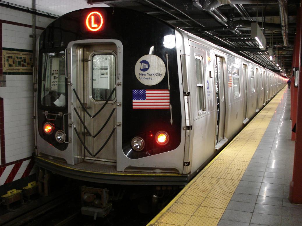 (132k, 1037x778)<br><b>Country:</b> United States<br><b>City:</b> New York<br><b>System:</b> New York City Transit<br><b>Line:</b> BMT Canarsie Line<br><b>Location:</b> 8th Avenue<br><b>Route:</b> L<br><b>Car:</b> R-143 (Kawasaki, 2001-2002) 814x <br><b>Photo by:</b> Michael Hodurski<br><b>Date:</b> 12/29/2006<br><b>Viewed (this week/total):</b> 0 / 2939