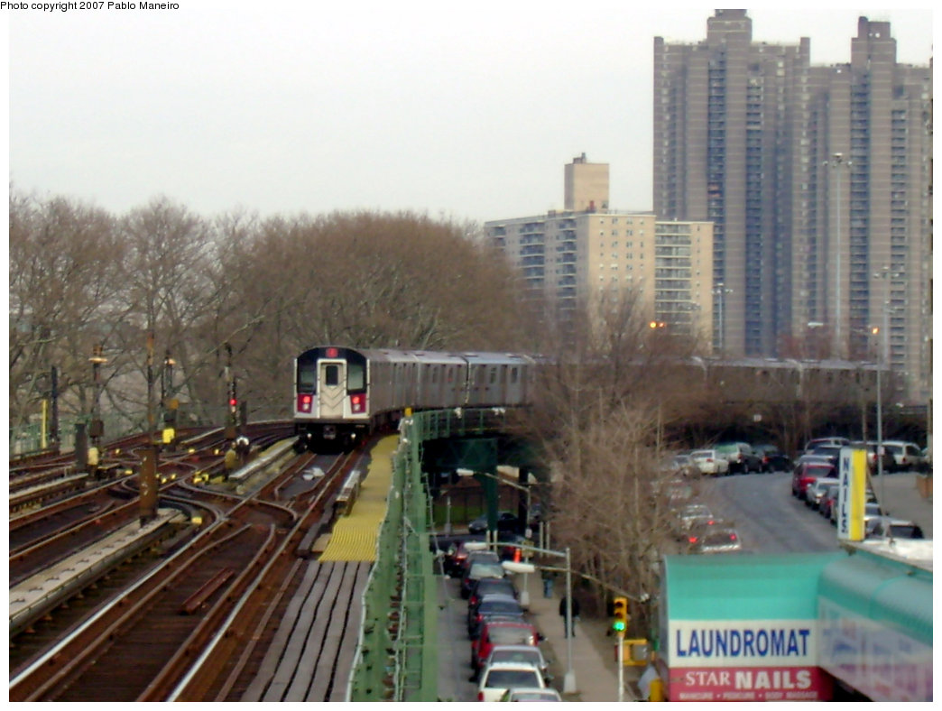 (189k, 1044x788)<br><b>Country:</b> United States<br><b>City:</b> New York<br><b>System:</b> New York City Transit<br><b>Line:</b> IRT Woodlawn Line<br><b>Location:</b> Kingsbridge Road<br><b>Route:</b> 4<br><b>Car:</b> R-142 or R-142A (Number Unknown)  <br><b>Photo by:</b> Pablo Maneiro<br><b>Date:</b> 12/30/2006<br><b>Viewed (this week/total):</b> 0 / 5085