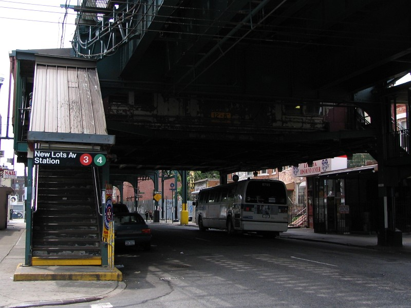 (119k, 800x600)<br><b>Country:</b> United States<br><b>City:</b> New York<br><b>System:</b> New York City Transit<br><b>Line:</b> IRT Brooklyn Line<br><b>Location:</b> New Lots Avenue<br><b>Photo by:</b> Dante D. Angerville<br><b>Date:</b> 6/17/2006<br><b>Viewed (this week/total):</b> 0 / 7006