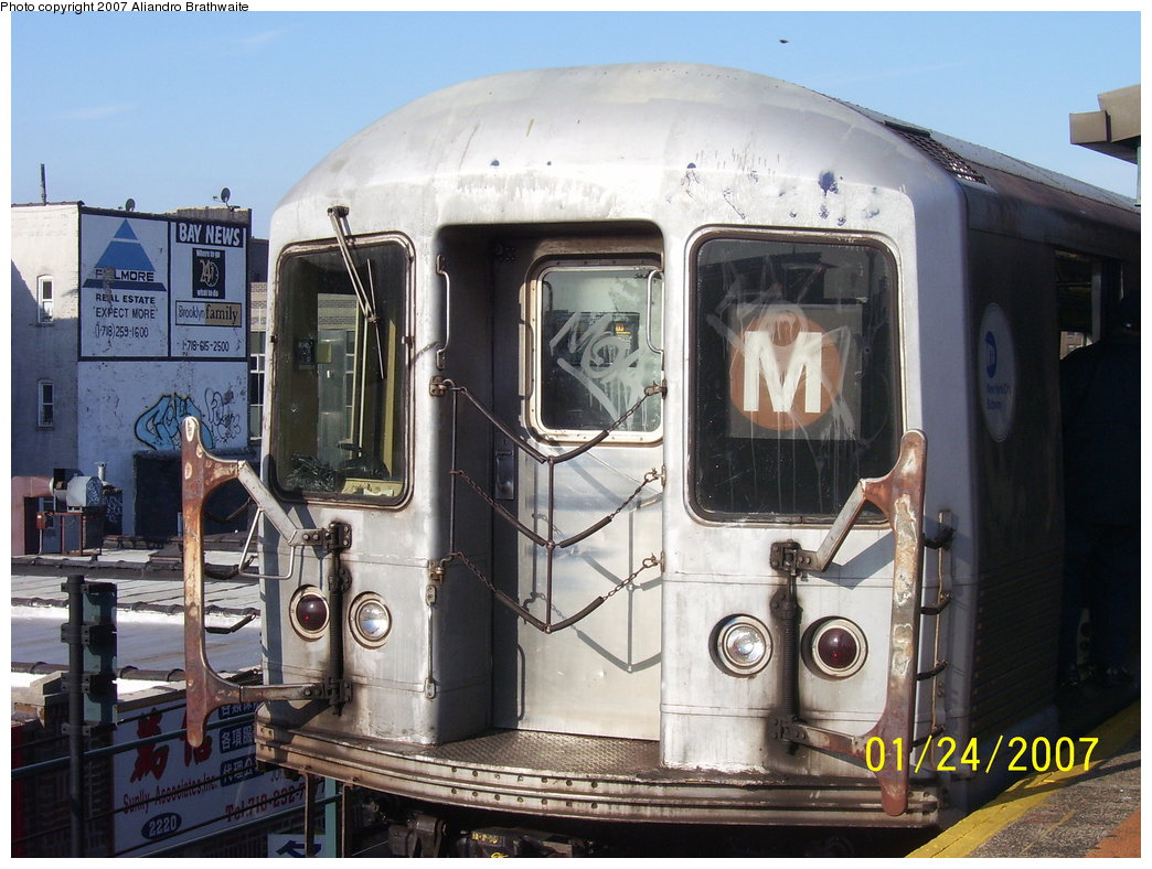 (191k, 1044x788)<br><b>Country:</b> United States<br><b>City:</b> New York<br><b>System:</b> New York City Transit<br><b>Line:</b> BMT West End Line<br><b>Location:</b> Bay Parkway<br><b>Route:</b> M<br><b>Car:</b> R-42 (St. Louis, 1969-1970) 4712 <br><b>Photo by:</b> Aliandro Brathwaite<br><b>Date:</b> 1/24/2007<br><b>Viewed (this week/total):</b> 2 / 3295