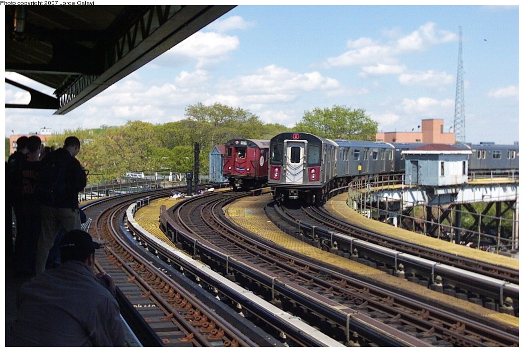 (175k, 1044x703)<br><b>Country:</b> United States<br><b>City:</b> New York<br><b>System:</b> New York City Transit<br><b>Line:</b> IRT White Plains Road Line<br><b>Location:</b> West Farms Sq./East Tremont Ave./177th St.<br><b>Route:</b> Fan Trip<br><b>Car:</b> R-33 World's Fair (St. Louis, 1963-64) 9327 <br><b>Photo by:</b> Jorge Catayi<br><b>Date:</b> 5/1/2005<br><b>Notes:</b> With R142 train.<br><b>Viewed (this week/total):</b> 4 / 2535