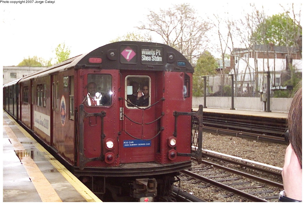 (165k, 1044x703)<br><b>Country:</b> United States<br><b>City:</b> New York<br><b>System:</b> New York City Transit<br><b>Line:</b> IRT Dyre Ave. Line<br><b>Location:</b> Gun Hill Road<br><b>Route:</b> Fan Trip<br><b>Car:</b> R-33 World's Fair (St. Louis, 1963-64) 9327 <br><b>Photo by:</b> Jorge Catayi<br><b>Date:</b> 5/1/2005<br><b>Viewed (this week/total):</b> 5 / 3400