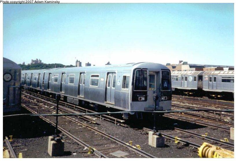 (86k, 820x556)<br><b>Country:</b> United States<br><b>City:</b> New York<br><b>System:</b> New York City Transit<br><b>Location:</b> 207th Street Yard<br><b>Car:</b> R-110B (Bombardier, 1992) 3009 <br><b>Photo by:</b> Adam Kaminsky<br><b>Date:</b> 8/24/2003<br><b>Viewed (this week/total):</b> 4 / 4230