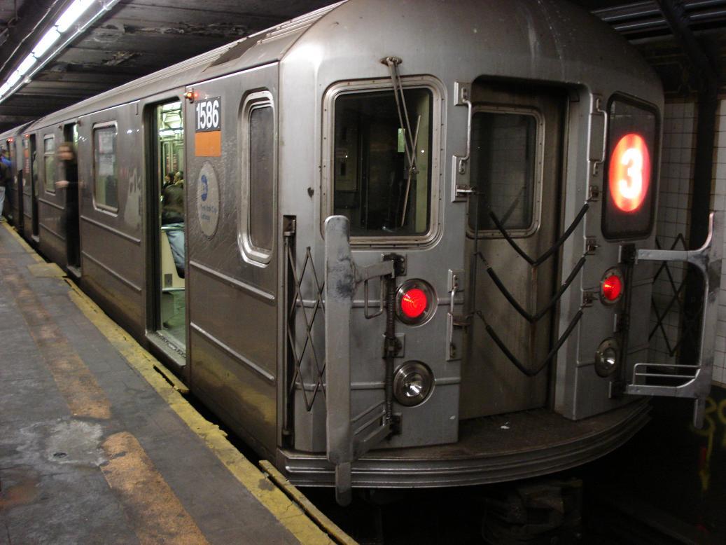 (116k, 1037x778)<br><b>Country:</b> United States<br><b>City:</b> New York<br><b>System:</b> New York City Transit<br><b>Line:</b> IRT West Side Line<br><b>Location:</b> 14th Street<br><b>Route:</b> 3<br><b>Car:</b> R-62 (Kawasaki, 1983-1985) 1586 <br><b>Photo by:</b> Michael Hodurski<br><b>Date:</b> 2/17/2007<br><b>Viewed (this week/total):</b> 5 / 4408