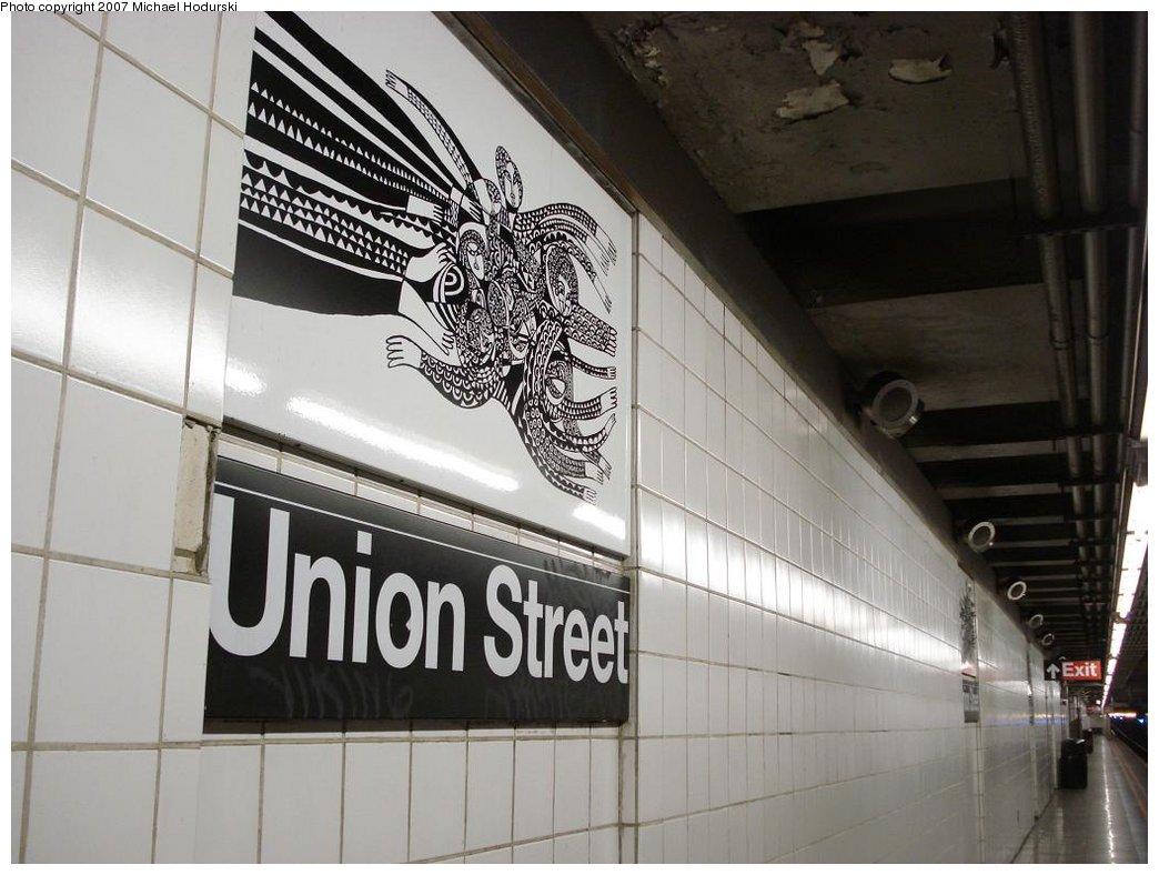 (161k, 1044x788)<br><b>Country:</b> United States<br><b>City:</b> New York<br><b>System:</b> New York City Transit<br><b>Line:</b> BMT 4th Avenue Line<br><b>Location:</b> Union Street<br><b>Photo by:</b> Michael Hodurski<br><b>Date:</b> 2/22/2007<br><b>Artwork:</b> <i>CommUnion</i>, Emmett Wigglesworth, 1994<br><b>Notes:</b> Platform view.<br><b>Viewed (this week/total):</b> 4 / 2796