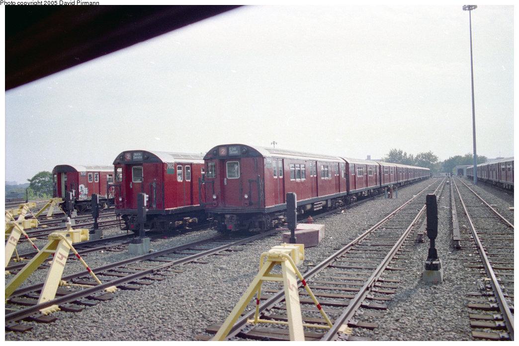 (194k, 1044x697)<br><b>Country:</b> United States<br><b>City:</b> New York<br><b>System:</b> New York City Transit<br><b>Location:</b> 239th Street Yard<br><b>Car:</b> R-28 (American Car & Foundry, 1960-61) 7882/7954 <br><b>Photo by:</b> David Pirmann<br><b>Date:</b> 9/13/1998<br><b>Viewed (this week/total):</b> 1 / 6095