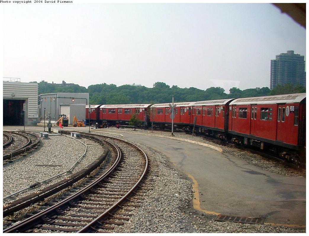 (138k, 1044x798)<br><b>Country:</b> United States<br><b>City:</b> New York<br><b>System:</b> New York City Transit<br><b>Location:</b> Jamaica Yard/Shops<br><b>Route:</b> Fan Trip<br><b>Photo by:</b> David Pirmann<br><b>Date:</b> 8/27/2000<br><b>Notes:</b> Redbird fan trip<br><b>Viewed (this week/total):</b> 0 / 6756