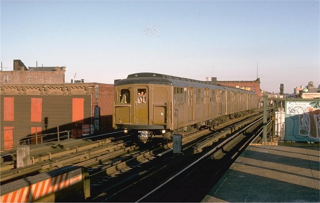 (181k, 1024x651)<br><b>Country:</b> United States<br><b>City:</b> New York<br><b>System:</b> New York City Transit<br><b>Line:</b> BMT Nassau Street-Jamaica Line<br><b>Location:</b> Kosciuszko Street<br><b>Route:</b> Fan Trip<br><b>Car:</b> BMT A/B-Type Standard 2390 <br><b>Photo by:</b> Joe Testagrose<br><b>Date:</b> 9/11/1977<br><b>Viewed (this week/total):</b> 2 / 4911