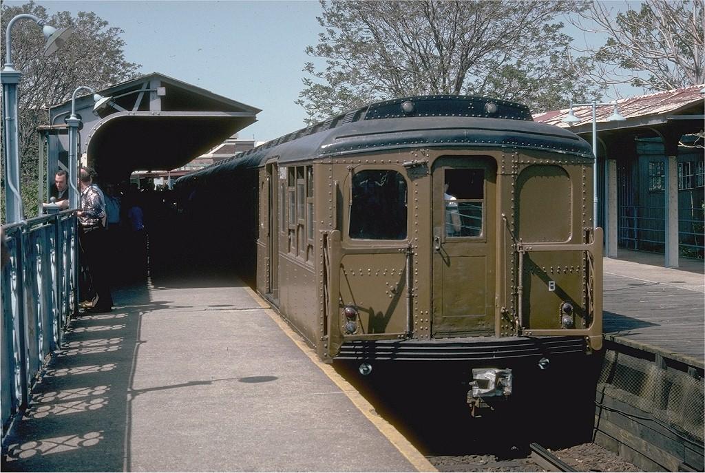 (257k, 1024x687)<br><b>Country:</b> United States<br><b>City:</b> New York<br><b>System:</b> New York City Transit<br><b>Line:</b> BMT Franklin Shuttle<br><b>Location:</b> Franklin Avenue<br><b>Route:</b> Fan Trip<br><b>Car:</b> BMT A/B-Type Standard 2390 <br><b>Collection of:</b> Joe Testagrose<br><b>Date:</b> 5/21/1978<br><b>Viewed (this week/total):</b> 0 / 4775