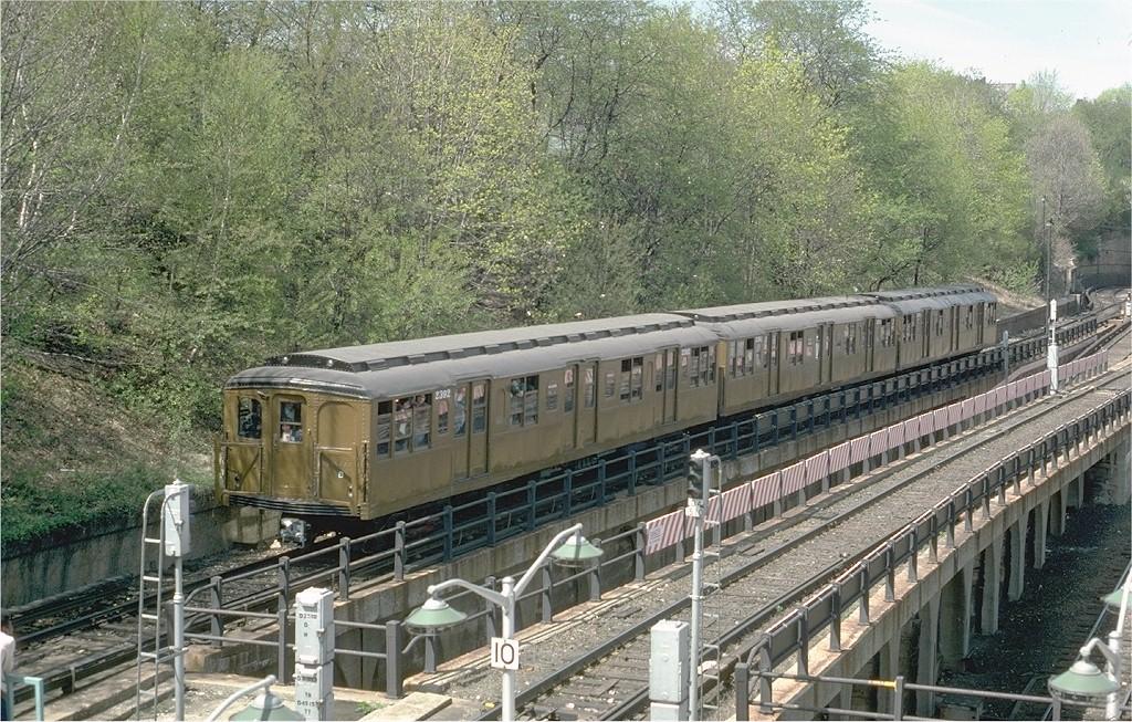 (296k, 1024x653)<br><b>Country:</b> United States<br><b>City:</b> New York<br><b>System:</b> New York City Transit<br><b>Line:</b> BMT West End Line<br><b>Location:</b> 9th Avenue<br><b>Route:</b> Fan Trip<br><b>Car:</b> BMT A/B-Type Standard 2392 <br><b>Photo by:</b> Joe Testagrose<br><b>Date:</b> 4/16/1977<br><b>Viewed (this week/total):</b> 1 / 3979