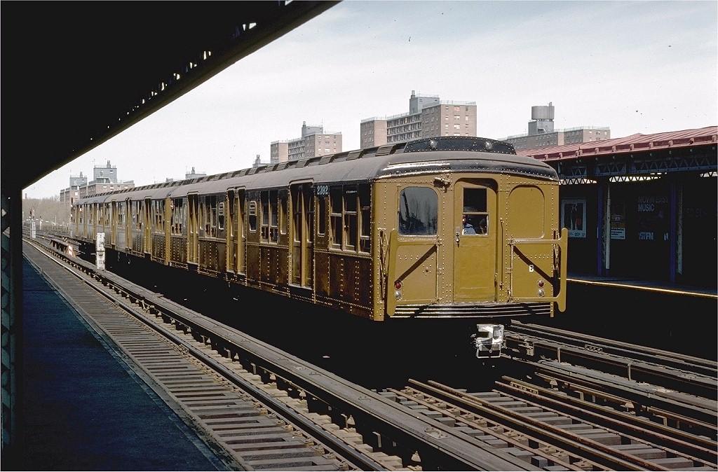 (218k, 1024x674)<br><b>Country:</b> United States<br><b>City:</b> New York<br><b>System:</b> New York City Transit<br><b>Line:</b> BMT West End Line<br><b>Location:</b> Bay 50th Street<br><b>Route:</b> Fan Trip<br><b>Car:</b> BMT A/B-Type Standard 2392 <br><b>Photo by:</b> Joe Testagrose<br><b>Date:</b> 4/16/1977<br><b>Viewed (this week/total):</b> 0 / 3616
