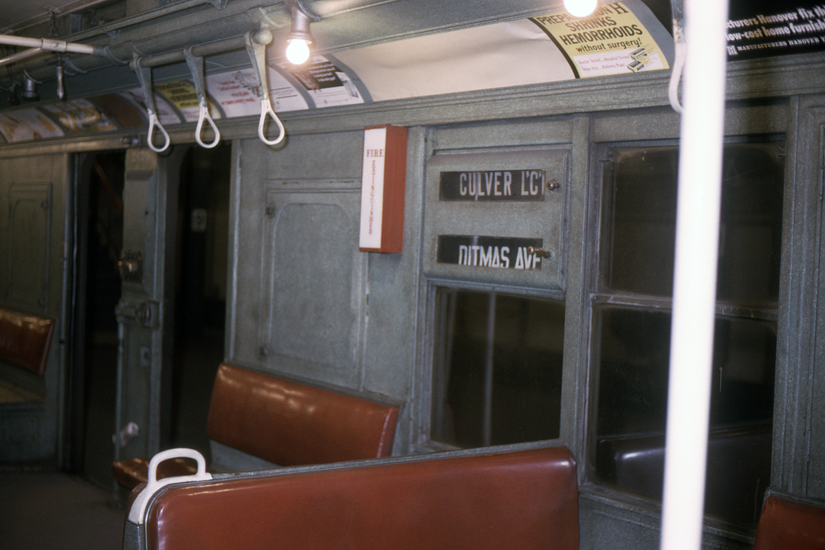 (336k, 1200x800)<br><b>Country:</b> United States<br><b>City:</b> New York<br><b>System:</b> New York City Transit<br><b>Car:</b> BMT A/B-Type Standard 2679 <br><b>Collection of:</b> David Pirmann<br><b>Date:</b> 12/5/1965<br><b>Viewed (this week/total):</b> 34 / 16929