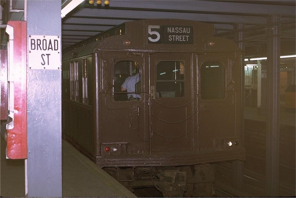 (174k, 1024x687)<br><b>Country:</b> United States<br><b>City:</b> New York<br><b>System:</b> New York City Transit<br><b>Line:</b> BMT Nassau Street-Jamaica Line<br><b>Location:</b> Broad Street<br><b>Route:</b> Fan Trip<br><b>Car:</b> BMT D-Type Triplex 6019 <br><b>Photo by:</b> Joe Testagrose<br><b>Date:</b> 9/20/1970<br><b>Viewed (this week/total):</b> 2 / 8219