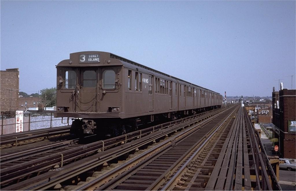 (187k, 1024x662)<br><b>Country:</b> United States<br><b>City:</b> New York<br><b>System:</b> New York City Transit<br><b>Line:</b> BMT West End Line<br><b>Location:</b> 71st Street<br><b>Route:</b> Fan Trip<br><b>Car:</b> BMT D-Type Triplex 6095 <br><b>Photo by:</b> Joe Testagrose<br><b>Date:</b> 9/30/1972<br><b>Viewed (this week/total):</b> 0 / 4367