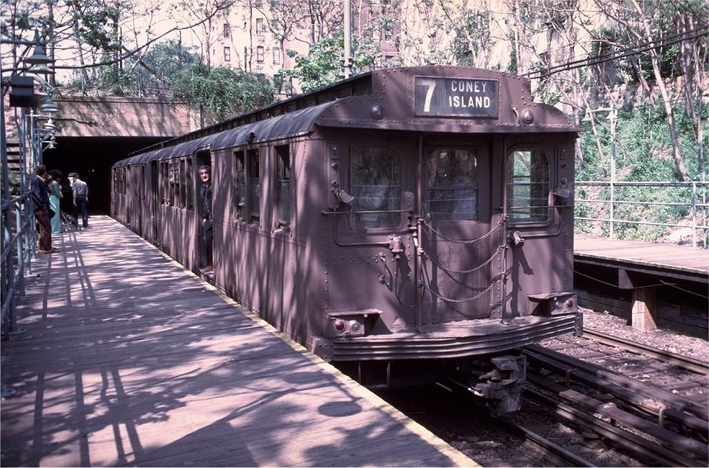 (285k, 1024x677)<br><b>Country:</b> United States<br><b>City:</b> New York<br><b>System:</b> New York City Transit<br><b>Line:</b> BMT Franklin Shuttle<br><b>Location:</b> Botanic Garden<br><b>Route:</b> Fan Trip<br><b>Car:</b> BMT D-Type Triplex 6095 <br><b>Collection of:</b> Joe Testagrose<br><b>Date:</b> 5/18/1975<br><b>Viewed (this week/total):</b> 1 / 10533