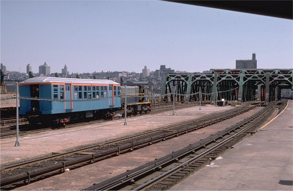 (203k, 1024x668)<br><b>Country:</b> United States<br><b>City:</b> New York<br><b>System:</b> New York City Transit<br><b>Line:</b> IND Crosstown Line<br><b>Location:</b> Smith/9th Street<br><b>Route:</b> Fan Trip<br><b>Car:</b> BMT Q 1612C <br><b>Photo by:</b> Steve Zabel<br><b>Collection of:</b> Joe Testagrose<br><b>Date:</b> 4/18/1978<br><b>Viewed (this week/total):</b> 0 / 3830