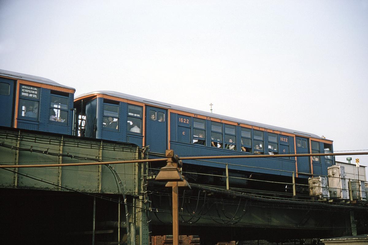 (389k, 1200x800)<br><b>Country:</b> United States<br><b>City:</b> New York<br><b>System:</b> New York City Transit<br><b>Line:</b> BMT Myrtle Avenue Line<br><b>Location:</b> Broadway/Myrtle Avenue (Upper Level)<br><b>Route:</b> Fan Trip<br><b>Car:</b> BMT Q 1622 <br><b>Collection of:</b> David Pirmann<br><b>Date:</b> 9/20/1965<br><b>Viewed (this week/total):</b> 0 / 11881
