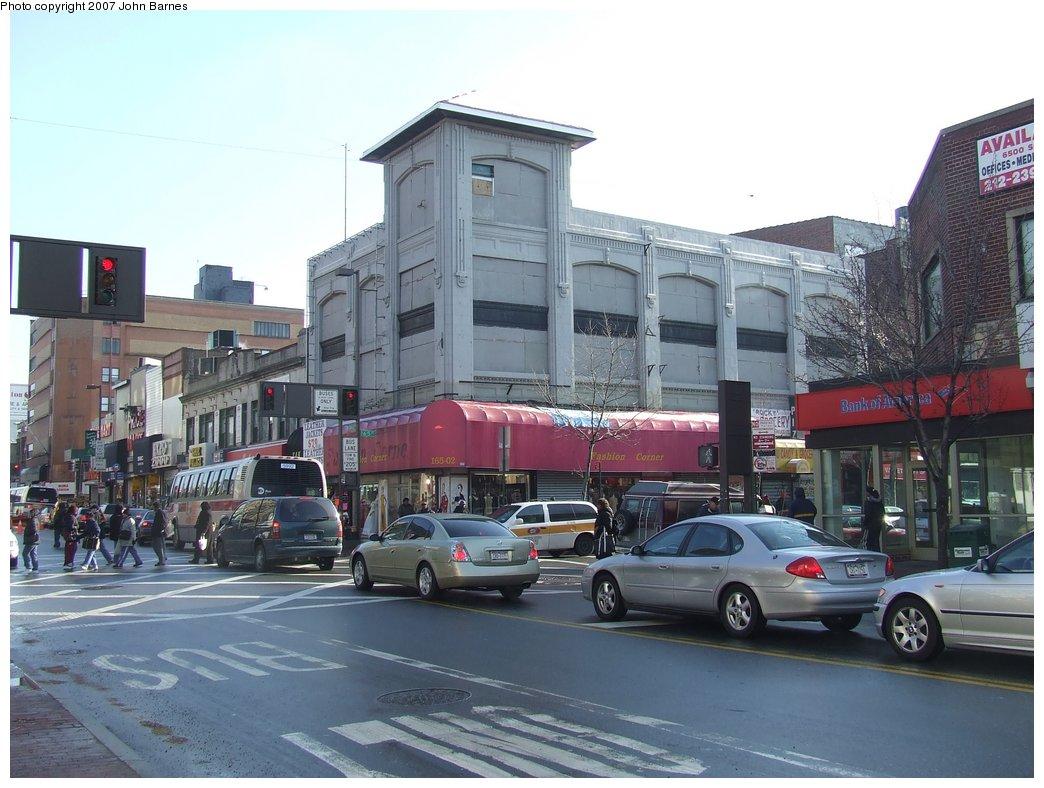 (169k, 1044x788)<br><b>Country:</b> United States<br><b>City:</b> New York<br><b>System:</b> New York City Transit<br><b>Line:</b> BMT Nassau Street-Jamaica Line<br><b>Location:</b> 168th Street (Demolished)<br><b>Photo by:</b> John Barnes<br><b>Date:</b> 1/19/2007<br><b>Notes:</b> Former tower at 168th St./Jamaica El. See <a href=/perl/show?43028>photo 43028</a>.<br><b>Viewed (this week/total):</b> 0 / 10580