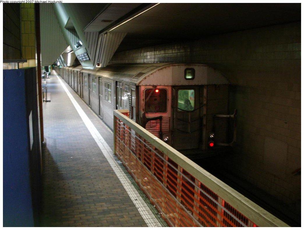 (139k, 1044x788)<br><b>Country:</b> United States<br><b>City:</b> New York<br><b>System:</b> New York City Transit<br><b>Line:</b> IND Queens Boulevard Line<br><b>Location:</b> Jamaica Center/Parsons-Archer<br><b>Route:</b> E<br><b>Car:</b> R-32 (Budd, 1964) 3730 <br><b>Photo by:</b> Michael Hodurski<br><b>Date:</b> 3/11/2007<br><b>Viewed (this week/total):</b> 13 / 3852