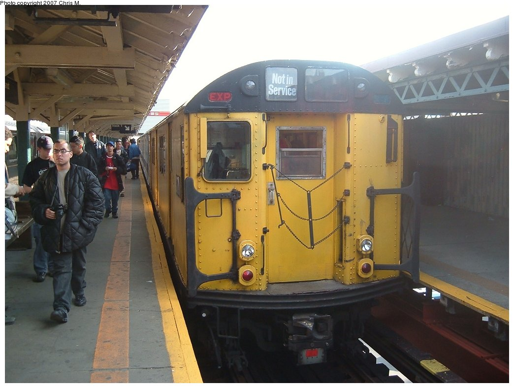 (138k, 1044x788)<br><b>Country:</b> United States<br><b>City:</b> New York<br><b>System:</b> New York City Transit<br><b>Line:</b> IRT West Side Line<br><b>Location:</b> 242nd Street/Van Cortlandt Park<br><b>Route:</b> Fan Trip<br><b>Car:</b> R-22 (St. Louis, 1957-58) 37371 <br><b>Photo by:</b> Chris M.<br><b>Date:</b> 5/1/2005<br><b>Viewed (this week/total):</b> 4 / 3647