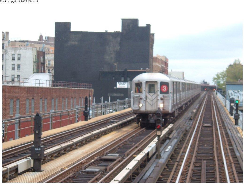 (128k, 1044x788)<br><b>Country:</b> United States<br><b>City:</b> New York<br><b>System:</b> New York City Transit<br><b>Line:</b> IRT White Plains Road Line<br><b>Location:</b> 174th Street<br><b>Route:</b> 3<br><b>Car:</b> R-62 (Kawasaki, 1983-1985)  <br><b>Photo by:</b> Chris M.<br><b>Date:</b> 5/1/2005<br><b>Viewed (this week/total):</b> 1 / 4260