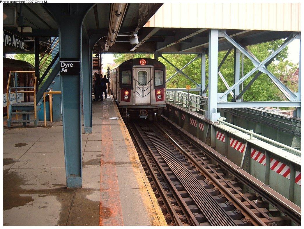 (219k, 1044x788)<br><b>Country:</b> United States<br><b>City:</b> New York<br><b>System:</b> New York City Transit<br><b>Line:</b> IRT Dyre Ave. Line<br><b>Location:</b> Dyre Avenue<br><b>Route:</b> 5<br><b>Car:</b> R-142 or R-142A (Number Unknown)  <br><b>Photo by:</b> Chris M.<br><b>Date:</b> 5/1/2005<br><b>Viewed (this week/total):</b> 2 / 5334