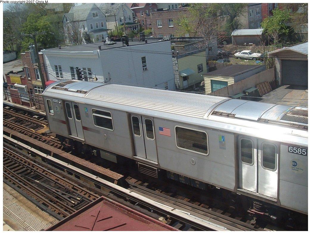 (224k, 1044x788)<br><b>Country:</b> United States<br><b>City:</b> New York<br><b>System:</b> New York City Transit<br><b>Line:</b> IRT White Plains Road Line<br><b>Location:</b> 241st Street<br><b>Car:</b> R-142 (Primary Order, Bombardier, 1999-2002) 6585 <br><b>Photo by:</b> Chris M.<br><b>Date:</b> 5/1/2005<br><b>Viewed (this week/total):</b> 6 / 4563