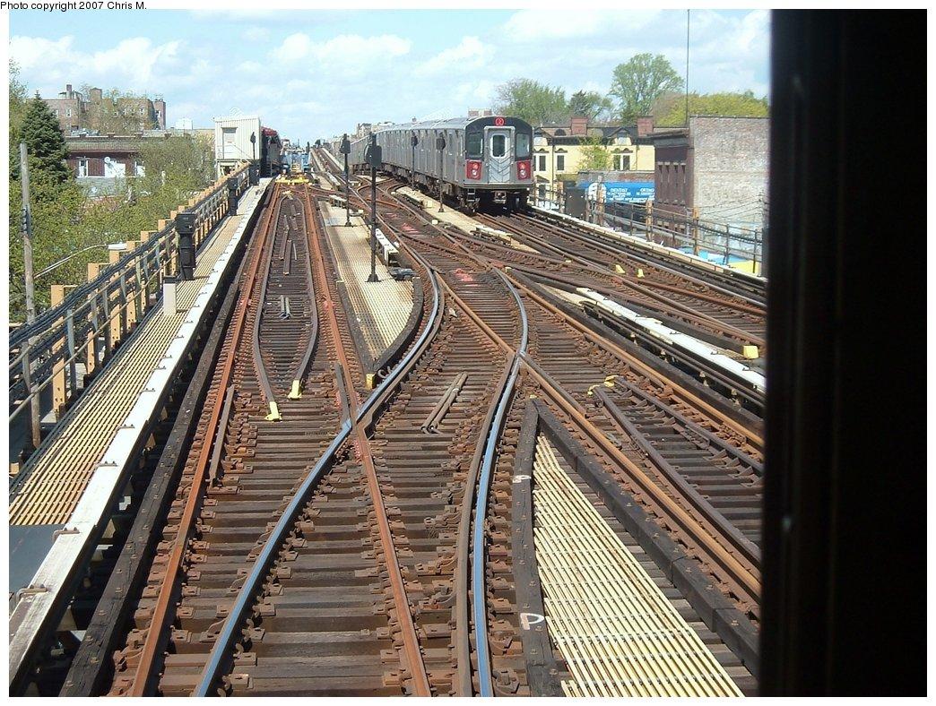 (239k, 1044x788)<br><b>Country:</b> United States<br><b>City:</b> New York<br><b>System:</b> New York City Transit<br><b>Line:</b> IRT White Plains Road Line<br><b>Location:</b> 219th Street<br><b>Route:</b> 2<br><b>Car:</b> R-142 or R-142A (Number Unknown)  <br><b>Photo by:</b> Chris M.<br><b>Date:</b> 5/1/2005<br><b>Viewed (this week/total):</b> 0 / 4978