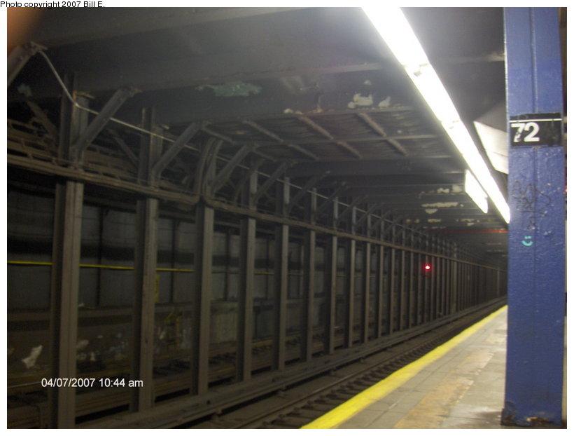 (76k, 820x622)<br><b>Country:</b> United States<br><b>City:</b> New York<br><b>System:</b> New York City Transit<br><b>Line:</b> IND 8th Avenue Line<br><b>Location:</b> 72nd Street<br><b>Photo by:</b> Bill E.<br><b>Date:</b> 4/7/2007<br><b>Notes:</b> Trackway view.<br><b>Viewed (this week/total):</b> 0 / 4468