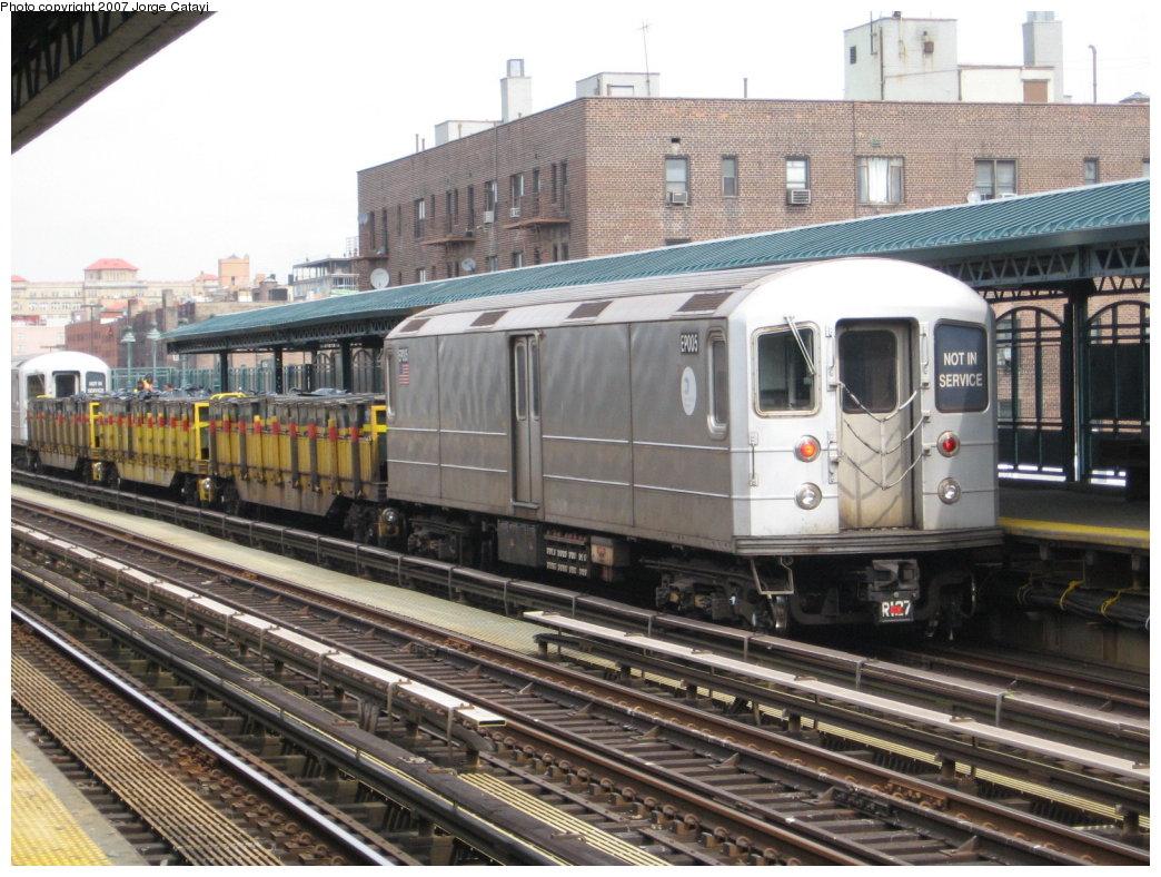 (201k, 1044x788)<br><b>Country:</b> United States<br><b>City:</b> New York<br><b>System:</b> New York City Transit<br><b>Line:</b> IRT Woodlawn Line<br><b>Location:</b> 161st Street-River Avenue (Yankee Stadium)<br><b>Route:</b> Work Service<br><b>Car:</b> R-127/R-134 (Kawasaki, 1991-1996) EP005 <br><b>Photo by:</b> Jorge Catayi<br><b>Date:</b> 3/26/2007<br><b>Viewed (this week/total):</b> 2 / 2962