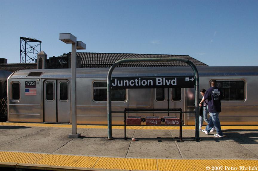 (174k, 864x574)<br><b>Country:</b> United States<br><b>City:</b> New York<br><b>System:</b> New York City Transit<br><b>Line:</b> IRT Flushing Line<br><b>Location:</b> Junction Boulevard<br><b>Car:</b> R-62A (Bombardier, 1984-1987) 1723 <br><b>Photo by:</b> Peter Ehrlich<br><b>Date:</b> 4/20/2007<br><b>Viewed (this week/total):</b> 1 / 2682
