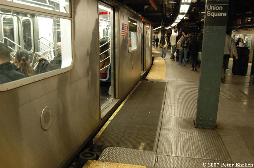 (184k, 864x574)<br><b>Country:</b> United States<br><b>City:</b> New York<br><b>System:</b> New York City Transit<br><b>Line:</b> IRT East Side Line<br><b>Location:</b> 14th Street/Union Square<br><b>Car:</b> R-142 (Primary Order, Bombardier, 1999-2002) 6424 <br><b>Photo by:</b> Peter Ehrlich<br><b>Date:</b> 4/20/2007<br><b>Notes:</b> Express track gap fillers.<br><b>Viewed (this week/total):</b> 1 / 4311