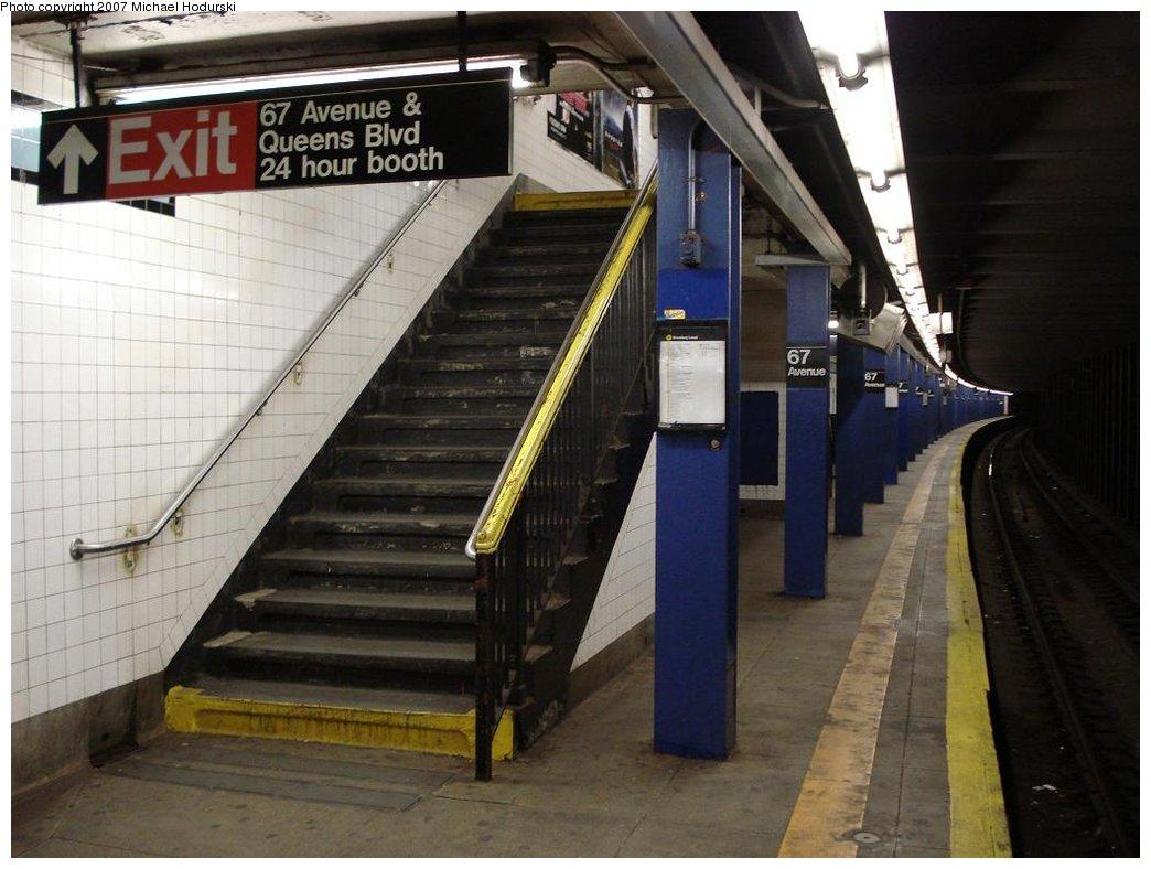 (160k, 1044x788)<br><b>Country:</b> United States<br><b>City:</b> New York<br><b>System:</b> New York City Transit<br><b>Line:</b> IND Queens Boulevard Line<br><b>Location:</b> 67th Avenue<br><b>Photo by:</b> Michael Hodurski<br><b>Date:</b> 4/6/2007<br><b>Viewed (this week/total):</b> 2 / 3315