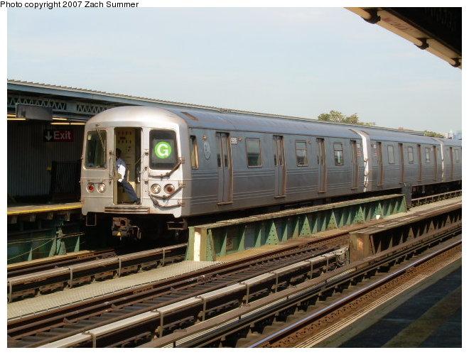 (119k, 660x500)<br><b>Country:</b> United States<br><b>City:</b> New York<br><b>System:</b> New York City Transit<br><b>Line:</b> BMT Culver Line<br><b>Location:</b> Avenue P<br><b>Route:</b> G<br><b>Car:</b> R-46 (Pullman-Standard, 1974-75)  <br><b>Photo by:</b> Zach Summer<br><b>Date:</b> 9/30/2006<br><b>Viewed (this week/total):</b> 2 / 3287