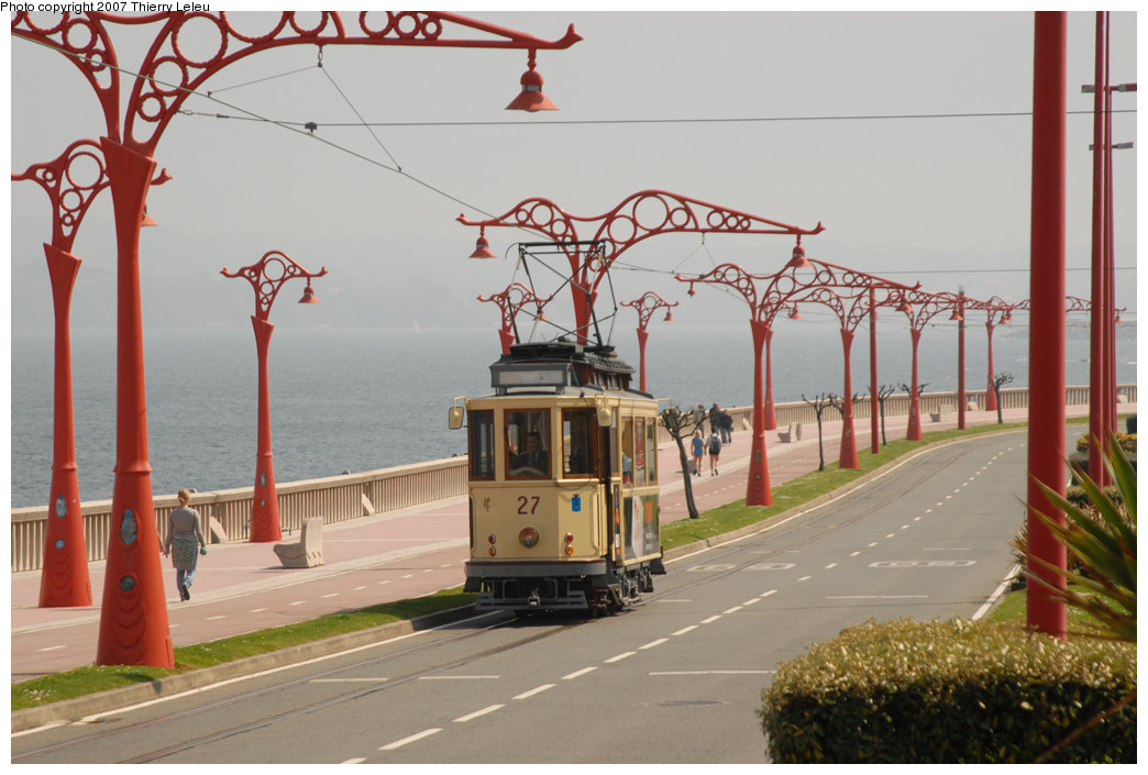 (193k, 1044x705)<br><b>Country:</b> Spain<br><b>City:</b> La Coruña<br><b>System:</b> Tranvia de La Coruña<br><b>Car:</b>  27 <br><b>Photo by:</b> Thierry Leleu<br><b>Date:</b> 4/8/2007<br><b>Viewed (this week/total):</b> 1 / 1757