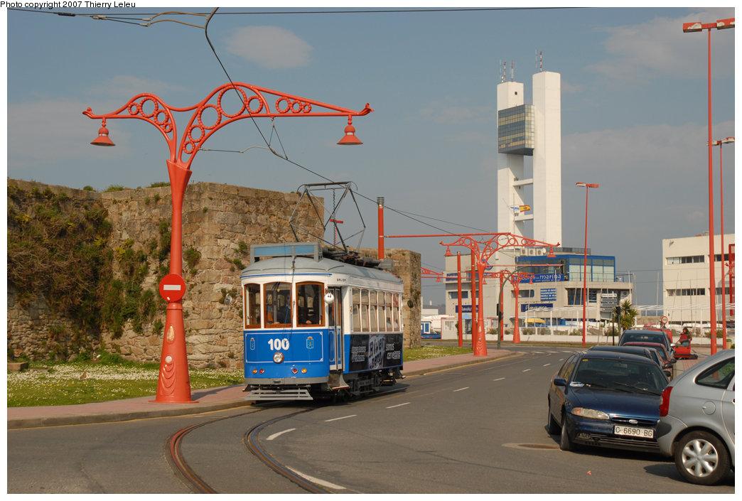 (212k, 1044x705)<br><b>Country:</b> Spain<br><b>City:</b> La Coruña<br><b>System:</b> Tranvia de La Coruña<br><b>Car:</b>  100 <br><b>Photo by:</b> Thierry Leleu<br><b>Date:</b> 4/8/2007<br><b>Viewed (this week/total):</b> 0 / 993