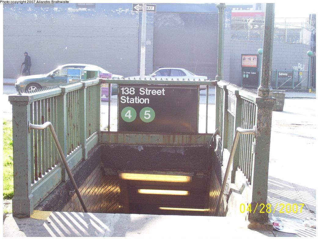 (181k, 1044x788)<br><b>Country:</b> United States<br><b>City:</b> New York<br><b>System:</b> New York City Transit<br><b>Line:</b> IRT Woodlawn Line<br><b>Location:</b> 138th Street (Mott Haven)<br><b>Photo by:</b> Aliandro Brathwaite<br><b>Date:</b> 4/28/2007<br><b>Notes:</b> Station entrance.<br><b>Viewed (this week/total):</b> 0 / 5945