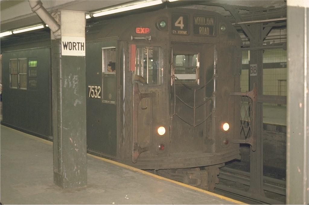 (150k, 1024x680)<br><b>Country:</b> United States<br><b>City:</b> New York<br><b>System:</b> New York City Transit<br><b>Line:</b> IRT East Side Line<br><b>Location:</b> Brooklyn Bridge/City Hall<br><b>Route:</b> 4<br><b>Car:</b> R-22 (St. Louis, 1957-58) 7532 <br><b>Photo by:</b> Joe Testagrose<br><b>Date:</b> 5/21/1970<br><b>Viewed (this week/total):</b> 0 / 2845