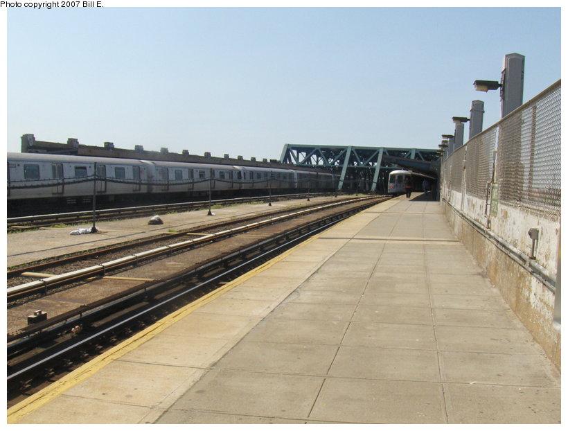 (97k, 820x622)<br><b>Country:</b> United States<br><b>City:</b> New York<br><b>System:</b> New York City Transit<br><b>Line:</b> IND Crosstown Line<br><b>Location:</b> Smith/9th Street<br><b>Photo by:</b> Bill E.<br><b>Date:</b> 5/13/2007<br><b>Notes:</b> View of station.<br><b>Viewed (this week/total):</b> 1 / 1632