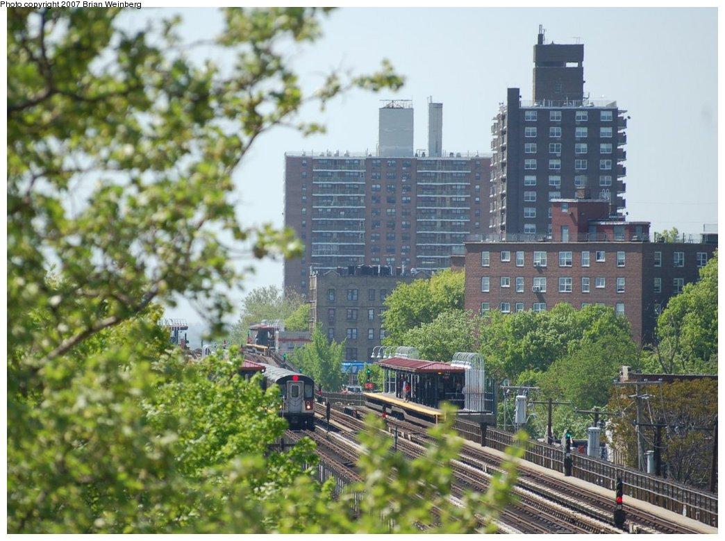 (246k, 1044x779)<br><b>Country:</b> United States<br><b>City:</b> New York<br><b>System:</b> New York City Transit<br><b>Line:</b> IRT White Plains Road Line<br><b>Location:</b> Burke Avenue<br><b>Route:</b> 2<br><b>Car:</b> R-142 (Primary Order, Bombardier, 1999-2002) 6406 <br><b>Photo by:</b> Brian Weinberg<br><b>Date:</b> 5/13/2007<br><b>Notes:</b> Burke Av (2/5) and Allerton Av (2/5) as seen from Gun Hill Rd (2/5). R-142 6406 is in the distance.<br><b>Viewed (this week/total):</b> 6 / 4301