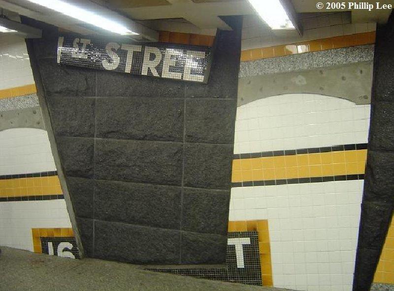 (89k, 800x592)<br><b>Country:</b> United States<br><b>City:</b> New York<br><b>System:</b> New York City Transit<br><b>Line:</b> IND Concourse Line<br><b>Location:</b> 161st Street-River Avenue (Yankee Stadium)<br><b>Photo by:</b> Phillip Lee<br><b>Date:</b> 6/14/2005<br><b>Artwork:</b> <i>Wall-Slide/Room of Tranquility</i>, Acconci/Brandt, 2002<br><b>Viewed (this week/total):</b> 2 / 3300