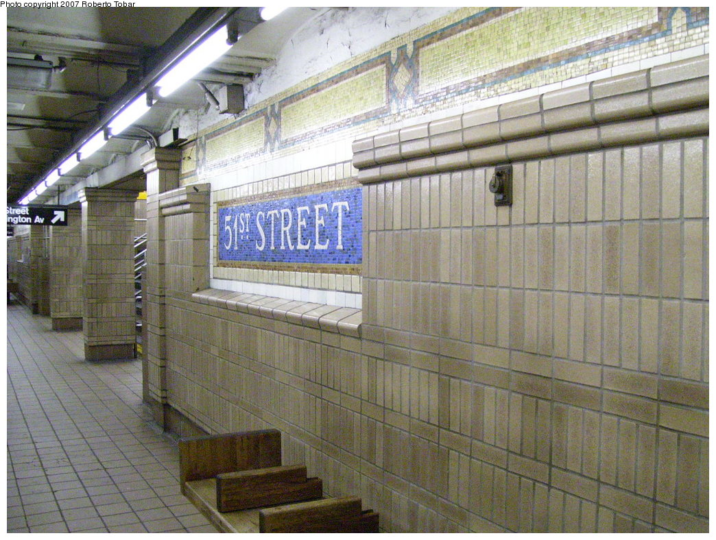 (237k, 1044x788)<br><b>Country:</b> United States<br><b>City:</b> New York<br><b>System:</b> New York City Transit<br><b>Line:</b> IRT East Side Line<br><b>Location:</b> 51st Street<br><b>Photo by:</b> Roberto C. Tobar<br><b>Date:</b> 6/1/2007<br><b>Viewed (this week/total):</b> 0 / 2225