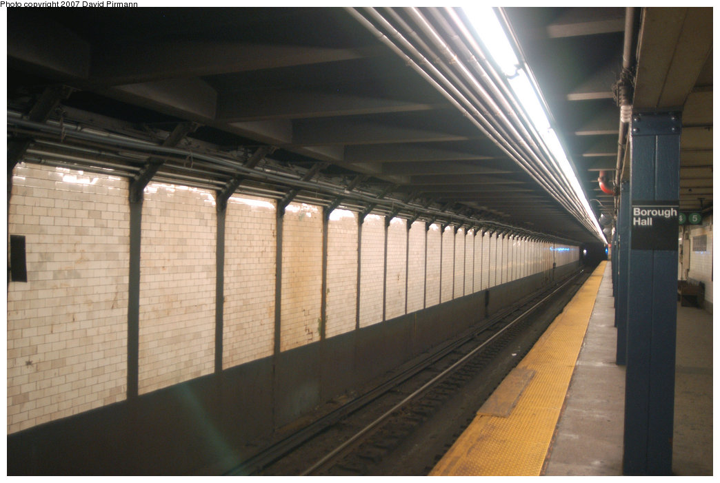 (179k, 1044x701)<br><b>Country:</b> United States<br><b>City:</b> New York<br><b>System:</b> New York City Transit<br><b>Line:</b> IRT Brooklyn Line<br><b>Location:</b> Borough Hall (West Side Branch)<br><b>Photo by:</b> David Pirmann<br><b>Date:</b> 6/9/2007<br><b>Notes:</b> Upper level of 2/3 Borough Hall station.<br><b>Viewed (this week/total):</b> 1 / 2973
