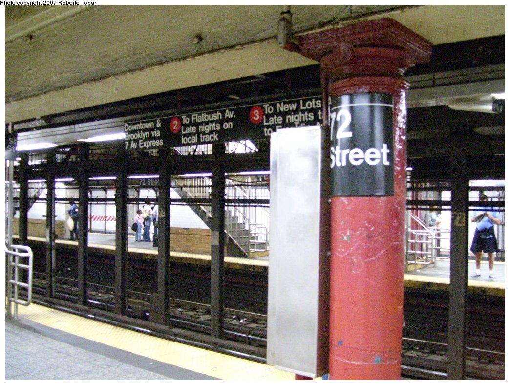 (201k, 1044x788)<br><b>Country:</b> United States<br><b>City:</b> New York<br><b>System:</b> New York City Transit<br><b>Line:</b> IRT West Side Line<br><b>Location:</b> 72nd Street<br><b>Photo by:</b> Roberto C. Tobar<br><b>Date:</b> 6/15/2007<br><b>Viewed (this week/total):</b> 0 / 3226