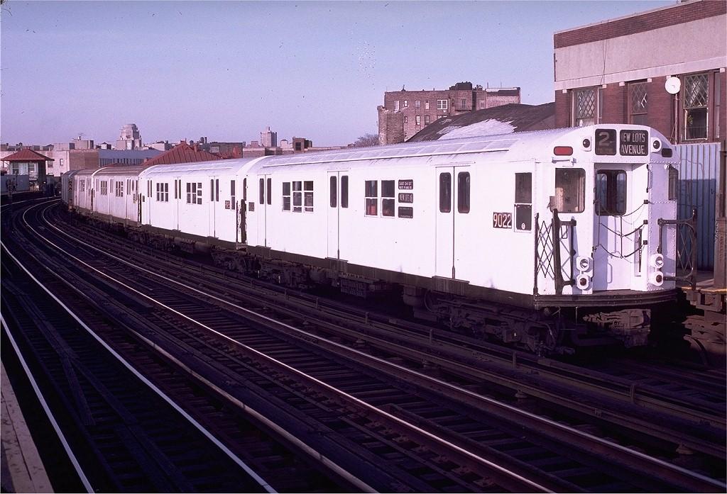 (215k, 1024x697)<br><b>Country:</b> United States<br><b>City:</b> New York<br><b>System:</b> New York City Transit<br><b>Line:</b> IRT White Plains Road Line<br><b>Location:</b> Freeman Street<br><b>Route:</b> 2<br><b>Car:</b> R-33 Main Line (St. Louis, 1962-63) 9022 <br><b>Photo by:</b> Doug Grotjahn<br><b>Collection of:</b> Joe Testagrose<br><b>Date:</b> 2/19/1983<br><b>Viewed (this week/total):</b> 3 / 3982