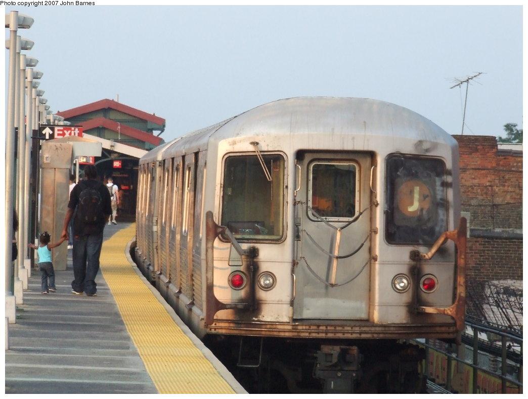 (148k, 1044x788)<br><b>Country:</b> United States<br><b>City:</b> New York<br><b>System:</b> New York City Transit<br><b>Line:</b> BMT Nassau Street-Jamaica Line<br><b>Location:</b> Norwood Avenue<br><b>Route:</b> J<br><b>Car:</b> R-42 (St. Louis, 1969-1970) 4624 <br><b>Photo by:</b> John Barnes<br><b>Date:</b> 6/26/2007<br><b>Viewed (this week/total):</b> 4 / 2604
