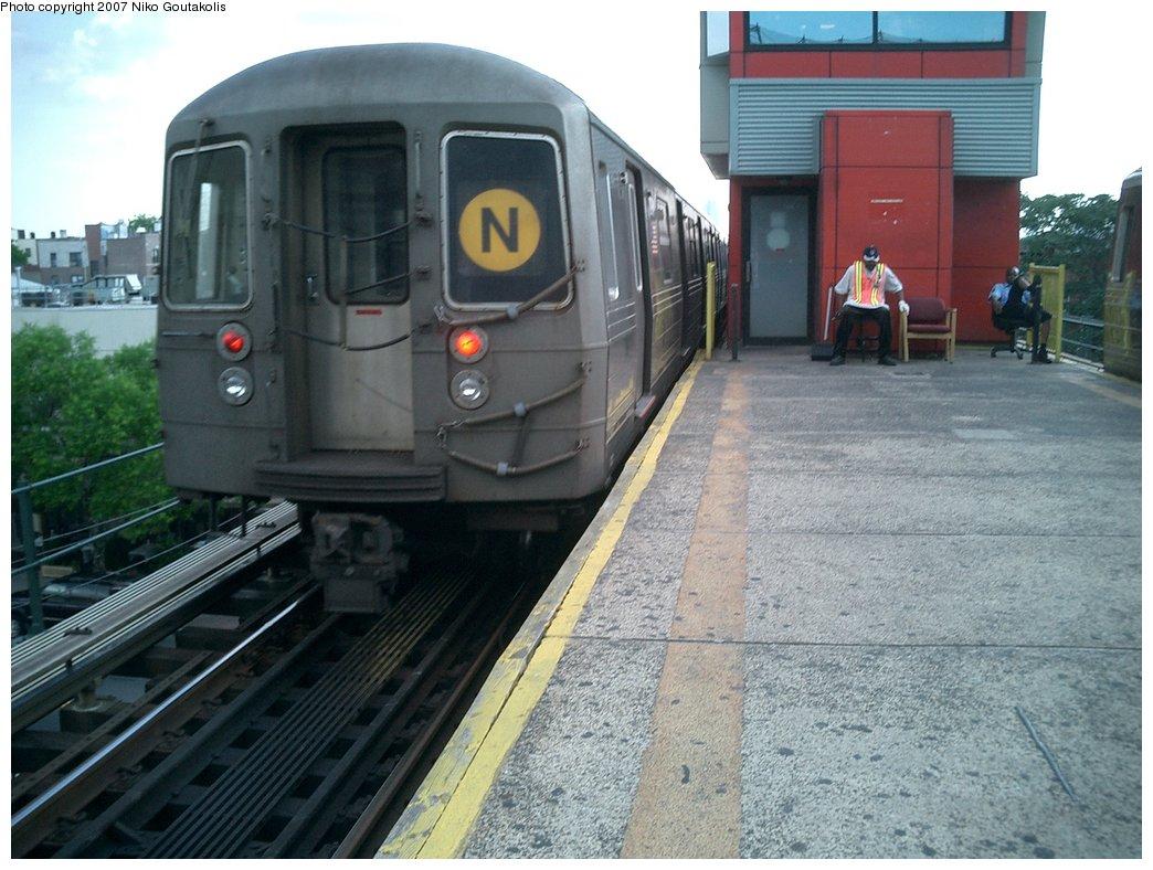 (207k, 1044x788)<br><b>Country:</b> United States<br><b>City:</b> New York<br><b>System:</b> New York City Transit<br><b>Line:</b> BMT Astoria Line<br><b>Location:</b> Ditmars Boulevard<br><b>Route:</b> N<br><b>Car:</b> R-68/R-68A Series (Number Unknown)  <br><b>Photo by:</b> Niko Goutakolis<br><b>Date:</b> 7/5/2007<br><b>Viewed (this week/total):</b> 0 / 4187