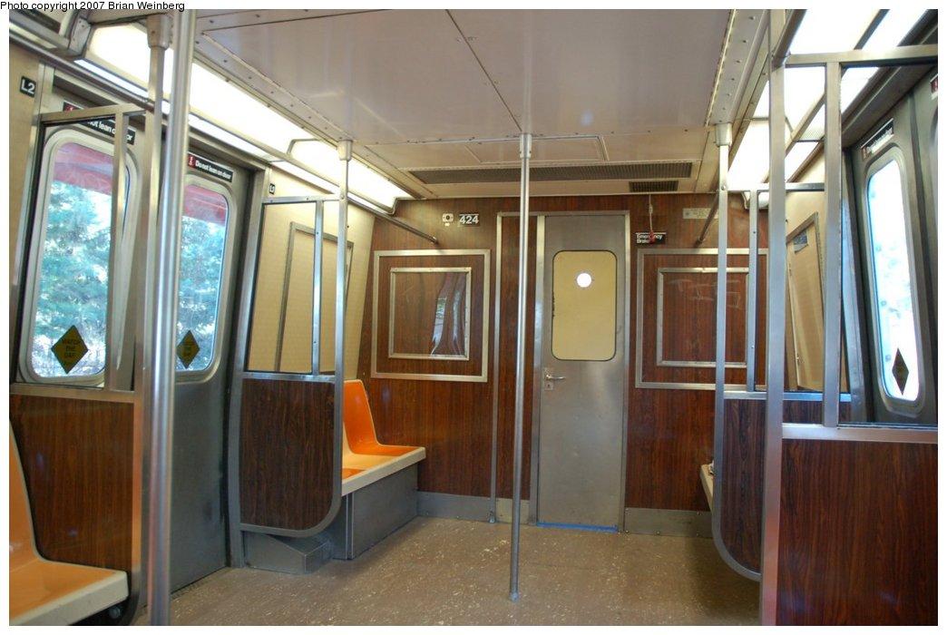 (191k, 1044x700)<br><b>Country:</b> United States<br><b>City:</b> New York<br><b>System:</b> New York City Transit<br><b>Line:</b> SIRT<br><b>Car:</b> R-44 SIRT (St. Louis, 1971-1973) 424 <br><b>Photo by:</b> Brian Weinberg<br><b>Date:</b> 7/12/2007<br><b>Viewed (this week/total):</b> 3 / 6437